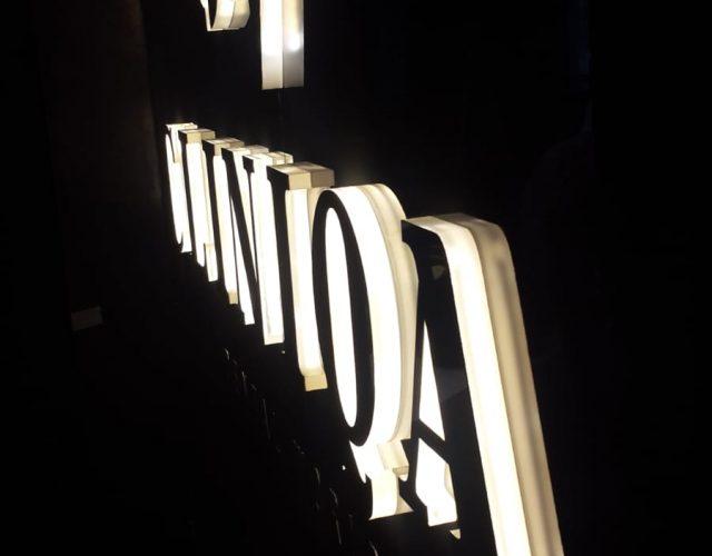 Clınıqa Kutu harf